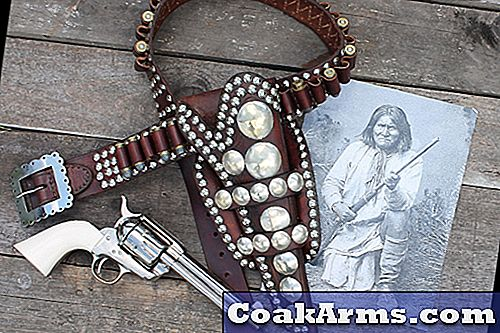 45 Maker Geronimo Rig rekryterar Apache Leader's Holster & Belt
