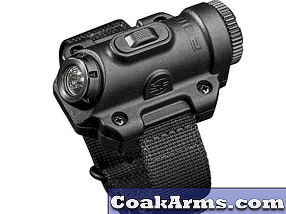 SureFire's 2211X Dual-Output 123-A Powered LED-zaklamp