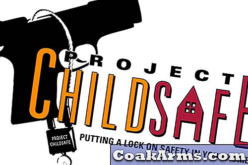 Wisconsin PD & Project ChildSafe Distribueren gratis veiligheidskits