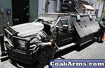 Mexicaanse functionarissen grijpen 'narcotank' (video).