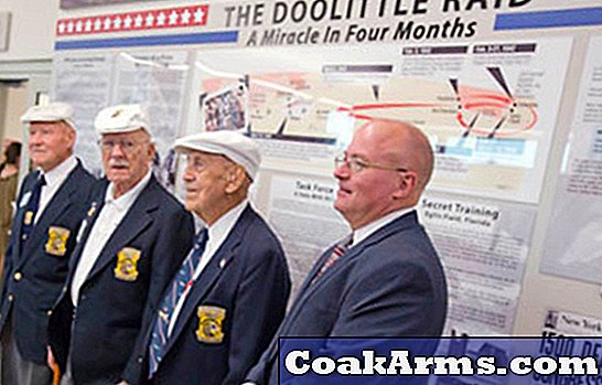 Doolittle Raiders Meet for One Last Toast