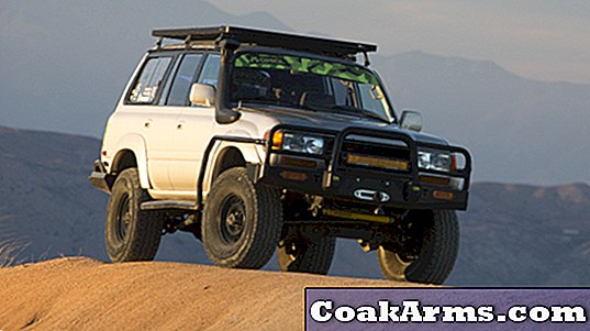 ADV80: Pinnacle Bruiser av Custom Land Cruisers